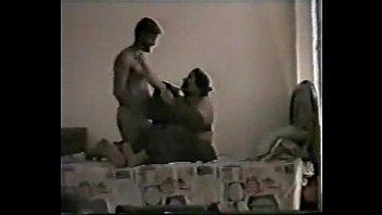 Влюбленная пара занимается строения вагинально-анальным порно, вскоре после небольшого пикника