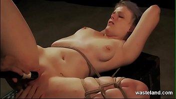 Добротный заглот от шатенки привел к полноценному сексу