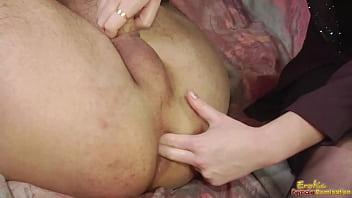 Порноактрисы лижутся в постели